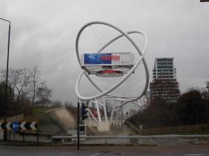 Niemeyer sculpture on Wandsworth roundabout