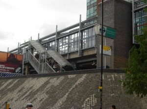 t33-crossharbour-station_b